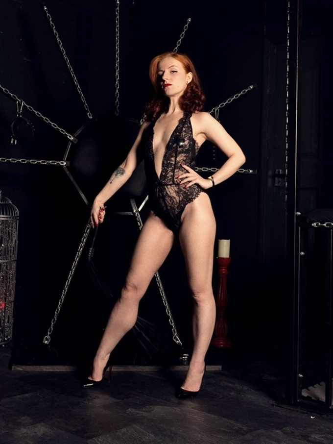 manchester mistress lola ruin gallery 7